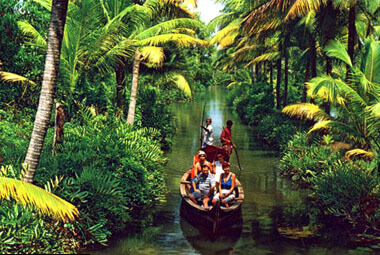 2 NIGHT 3 DAYS BACKWATER PACKAGES IN KERALA