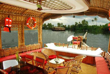 4 NIGHT 5 DAYS BACKWATER PACKAGES IN KERALA